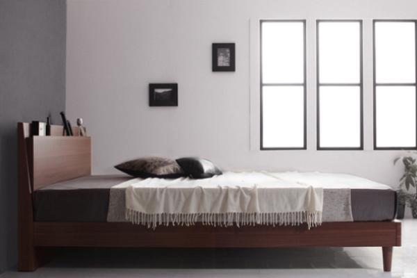 背の低さが際立つベッド(脚アリ)